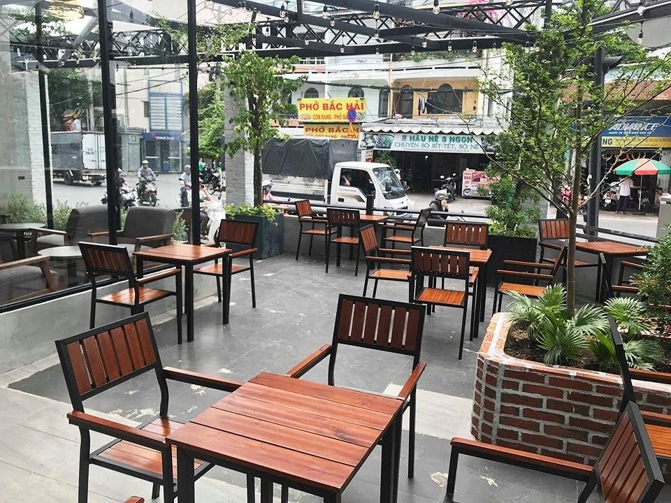 bo-ban-ghe-cafe-ngoai-troi-the-monday-coffee